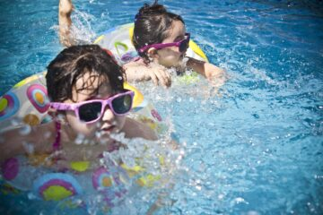 kids enjoying pool in summers